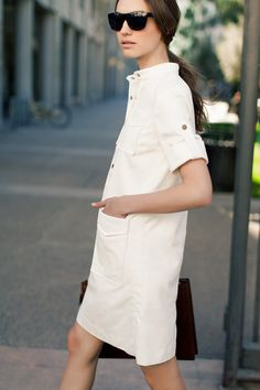Safari Dress in white, Tortoise Sunglasses ~ Emerson Fry collection 90s Grunge, Safari Dress, Look 2015, Casual Outfits, Summer Outfits, Vogue, Look Fashion, Spring Summer Fashion, Ideias Fashion