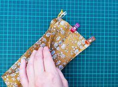 ender Diy Flowers, Flower Diy, Hair Ribbons, Liberty Of London, Crochet Blanket Patterns, Scrunchies, Coin Purse, Diy Crafts, Wallet