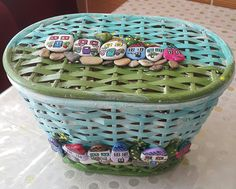 Ürün A.Doğan a aitdir. Plastic Laundry Basket, Pebble Art, Painted Rocks, Birds, Crafty, Stone, Painting, Decorative Pebbles, Bushel Baskets
