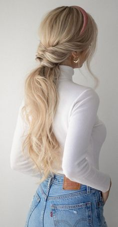 I am so thrilled to share today's hair tutorial which is 3 easy Fall Hairstyles and Fall hair trends for These hairstyles are not only beautiful but include cute accessories that are great for making these hairstyles stand out. Don't forget to tag me Blonde Hair With Bangs, Blonde Hair With Highlights, Brown Blonde Hair, Dark Hair, Brunette Hair, Blonde Ponytail, Brunette Color, Soft Hair, Blonde Balayage
