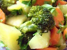 SALATA CALDA DE LEGUME(WARM VEGETABLES SALAD), poza 1 Vegetable Salad, Healthy Recipes, Healthy Food, Broccoli, Vegan, Warm, Vegetables, Food Ideas, Diet