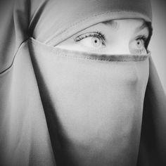 Eloquence Hijab ❤ : Niqabi ~The Most Beautiful Woman!