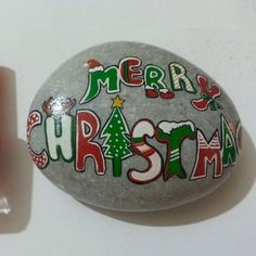 50 DIY Christmas Rock Painting Ideas (13)