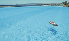 Giant pool, or SUPER clean ocean?    I think GIANT pool!