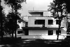 Walter Gropius,1926 - The Moholy/Nagy House, Designed with Marcel Breuer