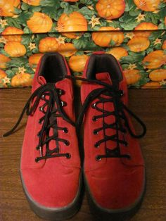 COLE HAAN  WOMENS RED LEATHER  HIKING BOOTS  SIZE 10M  VERY GOOD CONDITION  FOR PREOWNED  SEE PICS  TINY MINOR STAINS  MISSING BACK LOOP  RIGHT SHOE  LITTLE WORN IN SPOTS  OVER ALL VERY GOOD  1.5 IN HEEL  4 IN HIGH  AWESOME HIKING SHOES  VERY COMFY  SUPER STYLISH  WONDERFUL ADDITION  TO YOUR WARDROBE