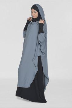 Tunique Young:hijab et capuche intégré - Moultazimoun Boutique - Tesettür Şalvar Modelleri 2020 - Tesettür Modelleri ve Modası 2019 ve 2020 Muslim Women Fashion, Islamic Fashion, Niqab Fashion, Fashion Outfits, Habits Musulmans, African Print Dress Designs, Mode Abaya, Hijab Fashion Inspiration, Muslim Dress
