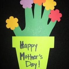 I just love hand print crafts and so do parents. They are a time capsule of their children's growth. The only thing better than a hand print craft is a Mother's Day hand print craft with flowers.