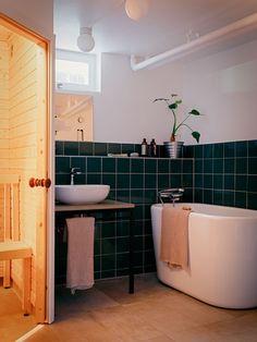 Historiska hem Corner Bathtub, Interior Decorating, Villa, Bathroom, Inspiration, Furniture, Houses, Decoration, Drawing Room Interior