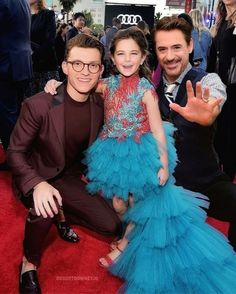 Family time Peter Stark (The Son) Tony Stark (The dad) Morgan Stark (The daughter) But where's mommy Stark, Pepper where art thou. The post Family time Peter Stark (The Son) Tony S… appeared first on Marvel Memes. Marvel Dc, Funny Marvel Memes, Marvel Jokes, Marvel Actors, Disney Marvel, Marvel Heroes, Spideypool, Superfamily, Tom Holland