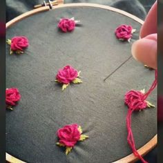 Flower Designs are a classic motif in embroidery, but they're also a bit of a trend. Whether you want to stitch some flowers with easy way and using with pearl/ perle coton threads. Hand Embroidery Videos, Hand Embroidery Flowers, Embroidery Stitches Tutorial, Embroidery Works, Silk Ribbon Embroidery, Hand Embroidery Patterns, Embroidery Techniques, Beaded Embroidery, Brazilian Embroidery