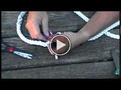 Rope Splicing: Splicing 3 braided rope and making a eye splice, short splice or joining two ropes together and a end stop. Fishing Pliers, Fishing Knots, Bushcraft Skills, Knot Braid, Rainy Day Crafts, Bait And Tackle, 550 Paracord, Fabric Bags, Tie Knots