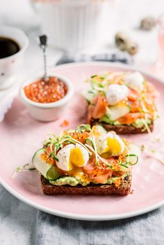 Ultimate Smoked Salmon and Avocado Breakfast Toast