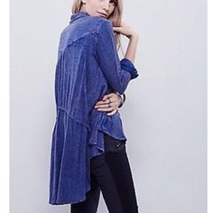 ️Oversized Loose Knit Free People Tunic Super soft denim looking ️oversized high low Free people tunic . Great with leggings and denim . ️oversized style . Pocket detailing with romantic cascading high low hemline . Free People Tops