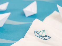 DIY-Anleitung: Shirt mit Schiff besticken via DaWanda.com