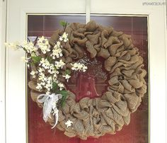 simple burlap wreath, love the fresh neutral look!
