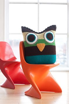 Large owly crochet pillow...love this! going to throw some pink and orange in there and try this one!!!