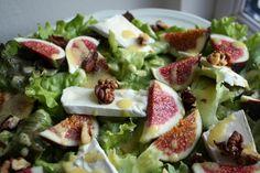 Madlaboratoriet: Grøn salat med friske figner, brie og valnødder