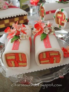 cake with fondant for seserahan Cake Icing, Fondant Cakes, Cake Rolls, Roll Cakes, Patterned Cake, Confectionery, Beautiful Cakes, Food Art, Sweet Treats