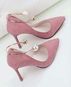 high heels – High Heels Daily Heels, stilettos and women's Shoes Dream Shoes, Crazy Shoes, Me Too Shoes, Guess Shoes, Pretty Shoes, Beautiful Shoes, Pretty In Pink, Outfit Stile, Shoe Boots