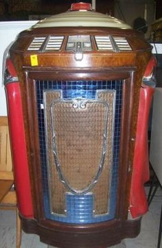 ,GLASS FRONT JUKE BOX Jukebox, Music Machine, Old Music, Soda Fountain, Slot, Phonograph, Vending Machine, Old Antiques, Rock And Roll