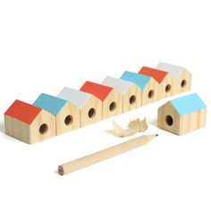 Pencil sharpeners in the shape of little houses - very cute. Little Presents, Little Gifts, Wooden Pencils, Pencil Sharpener, Office Accessories, Office Art, Home And Deco, Little Houses, Small Houses