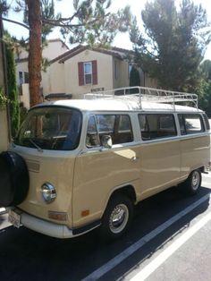 1972-VW-Bus-Transporter