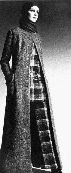 Christian Dior - London A/H Photo David Bailey. 1960s Fashion, Daily Fashion, Fashion Beauty, Vintage Fashion, Tweed, Christian Dior Vintage, French Fashion Designers, Dior Couture, White Fashion