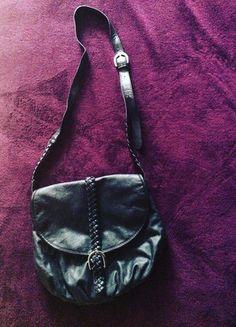 Kup mój przedmiot na #vintedpl http://www.vinted.pl/damskie-torby/torby-na-ramie/13147193-czarna-torebka-na-ramie-hm