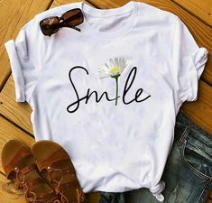 Smile Flower T-shirt ropa remeras Smile Flower T-shirt Cute Tshirts, Tee Shirts, T Shirt Painting, Diy Vetement, Painted Clothes, My T Shirt, Direct To Garment Printer, Printed Shirts, Shirt Style