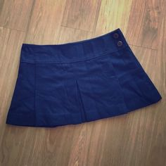 AE Pleated Skirt Never got around to wearing it while I was still in my pleated skirt phase! Brand new though! American Eagle Outfitters Skirts Midi