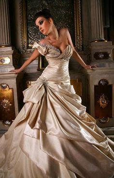 Wedding Gowns http://www.fibre2fashion.com/ozgulmoda/products.asp