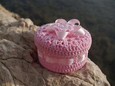 Small Crochet Jewelry Box - $12 -- think I can do this!