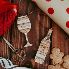 wine cork ornaments - wine gift - gift for wine lover - hostess gift - christmas ornament - host gift - wine decor Wine Cork Ornaments, Unique Christmas Ornaments, Wine Cork Crafts, Christmas Gifts For Mom, Christmas Crafts, Snowman Ornaments, Christmas Tree, Christmas Ideas, Christmas Decorations