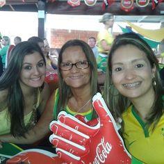 Com a minha filha e neta - jogo do Brasil o segundo. No Deck Avenida