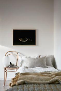 white bedroom minimalist bedroom design single bedroom design scandinavian bedroom nighslee memory foam mattress home mattress products soft mattress Home Bedroom, Bedroom Furniture, Bedroom Decor, Bedroom Ideas, Bedroom Lamps, Wall Lamps, Design Bedroom, Bedroom Lighting, Bedroom Wall