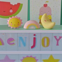 3 mini décorations soleil, lune arc en ciel A little lovely company - deco-graphic.com