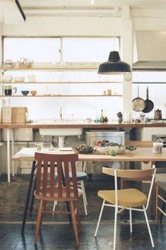 """毎日のキッチンライフが明るく楽しい時間になりそう♪ 無駄な装飾の無い""""無印スタイル""""が心地いいですね♡"""