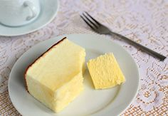 light and airy japanese-style cheesecake Japanese Cheesecake Recipes, Just Desserts, Dessert Recipes, Tummy Yummy, Dinner Dishes, Food Cakes, Creative Cakes, Baking Recipes, Food And Drink