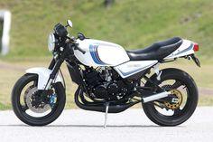 Japanese Motorcycle, Motorcycle Art, Yamaha Motorcycles, Cars And Motorcycles, Ducati S4r, Valentino Rossi 46, Hot Bikes, Vintage Bikes, Custom Bikes