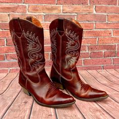 Small amount of wear on soles, Leather is perfect unmarked. Western Cowboy, Western Boots, Cowboy Boots, Click Photo, Boots For Sale, Boys Shoes, My Ebay, Westerns, Dancing