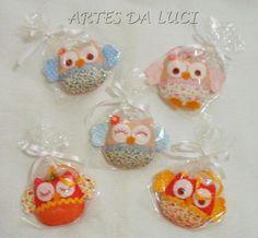 Artes da Luci: Muitas corujinhas voando por aí :) - corujas sachês em feltro