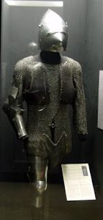 Composite Armour, Musée de l'Armée, Paris 1380-1410 Composed by ref_arm_1548, ref_arm_1015 and ref_arm_2881 Interesting to note the maille crotch protection.