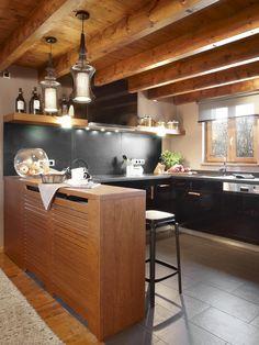 Molins Interiors // arquitectura interior - interiorismo - cocina - country - campo - montaña - barra - taburetes - decoración