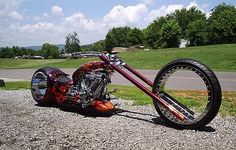 A spokeless custom chopper! Totally awesome!