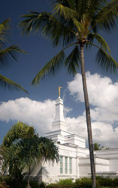 Kona Hawaii Temple - LDS - Mormon - The Church of Jesus Christ of Latter-day Saints Mormon Temples, Lds Temples, Ancient Greek Architecture, Gothic Architecture, Hawaii Temple, Lds Temple Pictures, Kona Hawaii, Lds Mormon, Lds Church