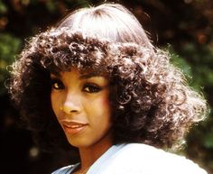1970s Beehive Hairstyle | Donna Summer wearing the stack permed look (in wig form) of the late ...