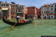 Ride a gondola in Venice | 21 Travel Experiences You Must Have Once (And Only Once)