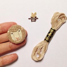 Needle Punch Sheep Head – TW – Rug making Embroidery Needles, Diy Embroidery, Knitting Needles, Hook Punch, Diy Broderie, Sheep Crafts, Punch Needle Patterns, Rug Hooking Patterns, Craft Punches