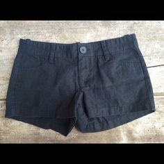 Essential Linen Shorts Linen forever 21 shorts. Black. Size 24. Lightly worn. Make an offer and I'll try my best to work with you to get your poshmark find 😊 No trades please Forever 21 Shorts
